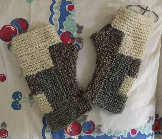 Ravelry User Mary jo Martinek ( mjm ) created these mitts using the Log Cabin Mitts Pattern by Karen Templer
